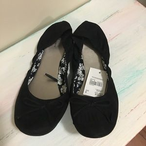 Cato Scrunched Flats - Black - 9 - NEW